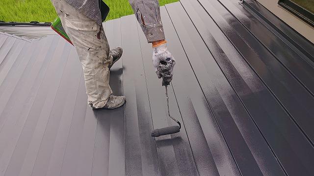 駒ケ根市トタン屋根上塗り1