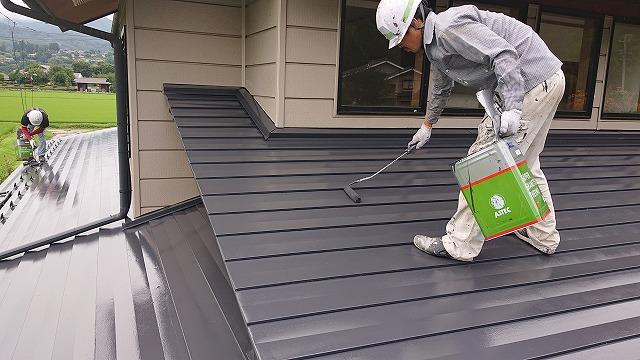 駒ケ根市トタン屋根上塗り2
