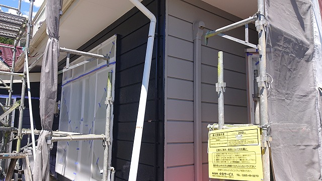 駒ケ根市下平外壁塗装中塗り2