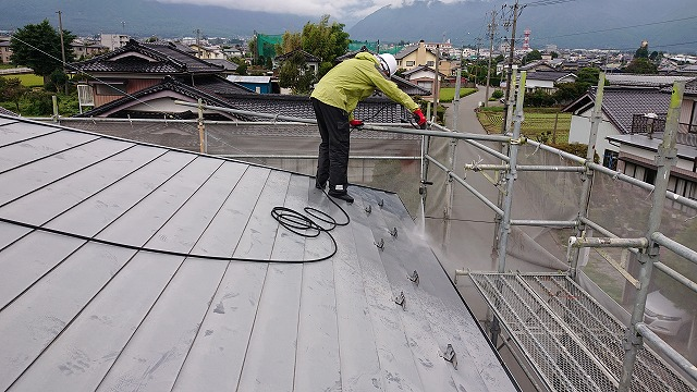駒ケ根市屋根壁遮熱洗浄2