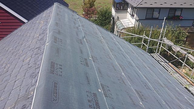 駒ヶ根市 K様邸にてカバー工法の屋根工事を行いました