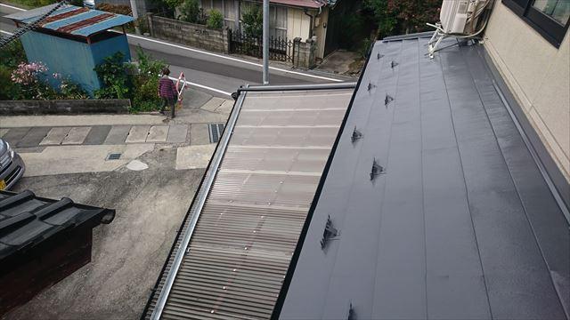 飯田市鼎 トタン屋根塗装ウッドピース完成5