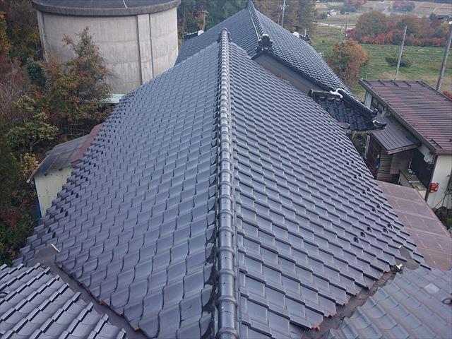 飯島町本郷、火災保険対応の棟瓦補修工事がスタートしました。