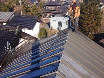 長野県下條村トタン屋根洗浄3