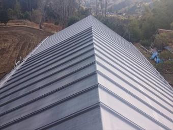 長野県下條村トタン屋根下塗り2