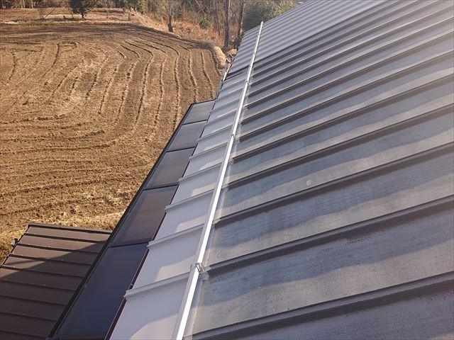 長野県下條村トタン屋根下塗り3