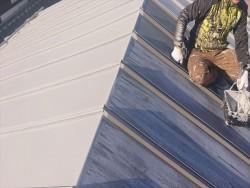 長野県下條村トタン屋根下塗り5