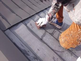 下條村白錆屋根塗装ケレン2