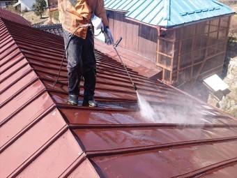 飯田市大瀬木トタン屋根洗浄1