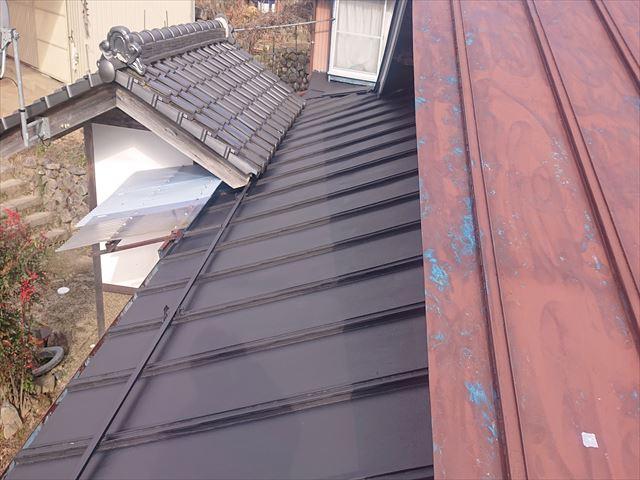 大瀬木トタン屋根下塗り2