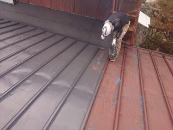 大瀬木トタン屋根下塗り6
