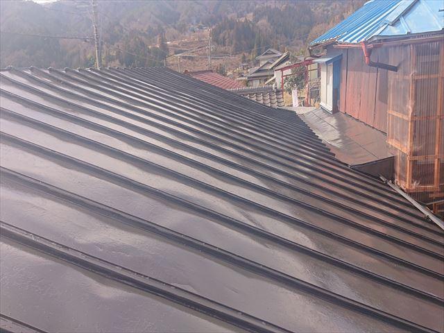 大瀬木トタン屋根上塗り2