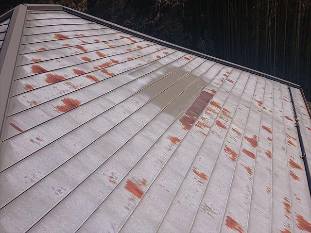 雨漏れトタン屋根