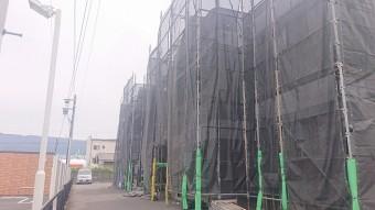 塩尻市アパート外壁足場12