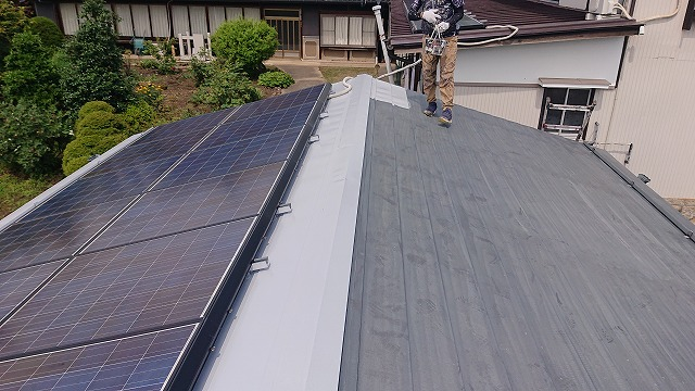 飯田市大瀬木倉庫屋根遮熱中塗り3