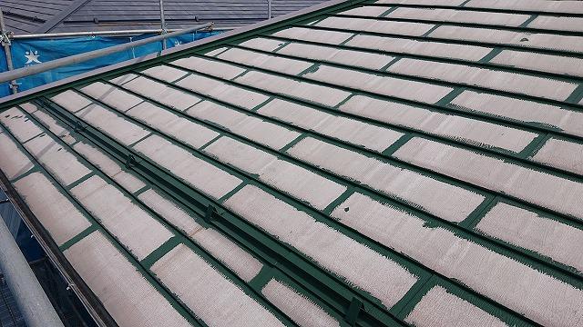 飯田市上殿岡 屋根外壁木部塗装 屋根中塗り1