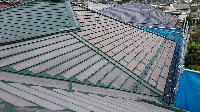 飯田市上殿岡 屋根外壁木部塗装 屋根中塗り6