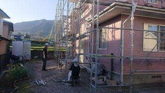 飯田市北方外壁塗装足場作業1