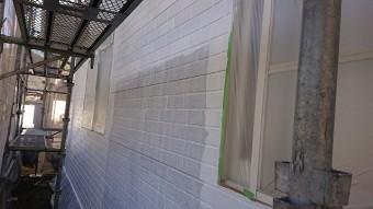 飯田市北方外壁塗中塗り作業3