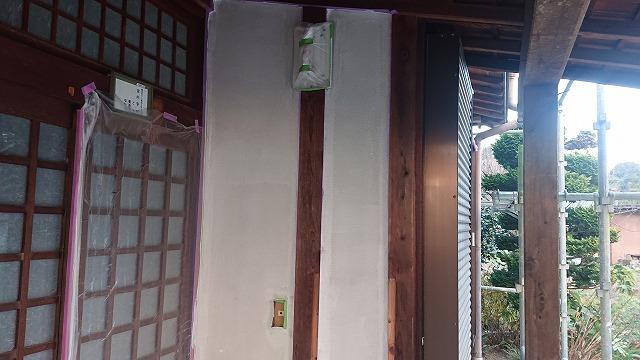 飯田市下久堅外壁塗装下塗り1