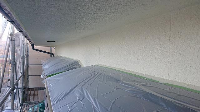 松川町外壁塗装中塗り4