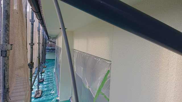 松川町外壁塗装中塗り3