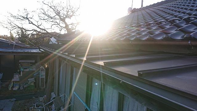 下伊那郡松川町にて、トタン屋根塗装工事・木部塗装・破風板板金工事・トタン屋根新設工事を行います。