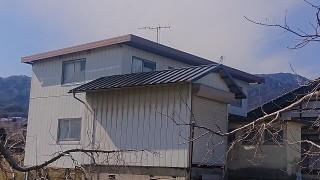松川町トタン屋根上塗り5