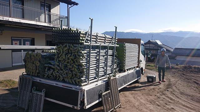 松川町外壁とトタン屋根塗装足場1