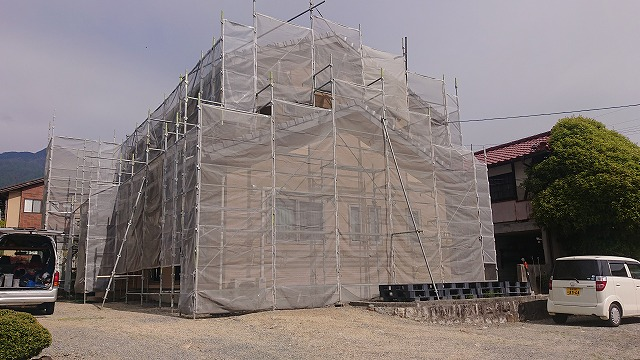 下伊那郡松川町【遮熱塗料・高耐耐久】にて外壁塗装工事 洗浄作業