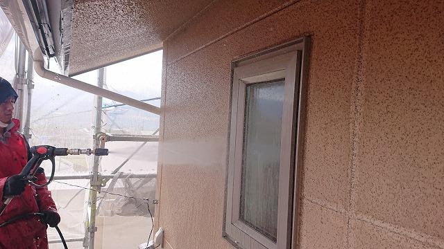 松川町サンワ外壁塗装洗浄作業4