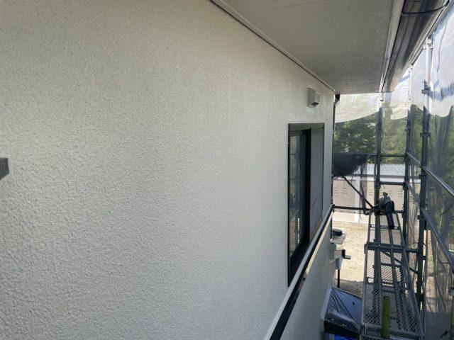 松川町外壁屋根塗装外壁上塗り