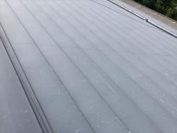 トタン屋根の塗装前です