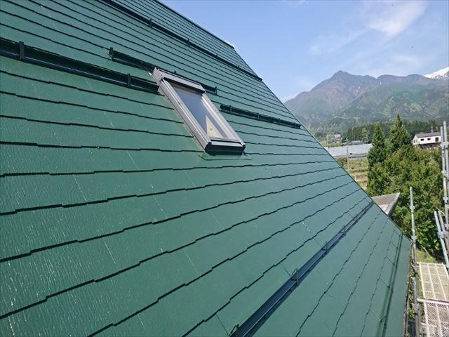 長野県中川村ログハウス屋根上塗り1