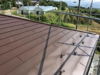 ブラウン色の屋根