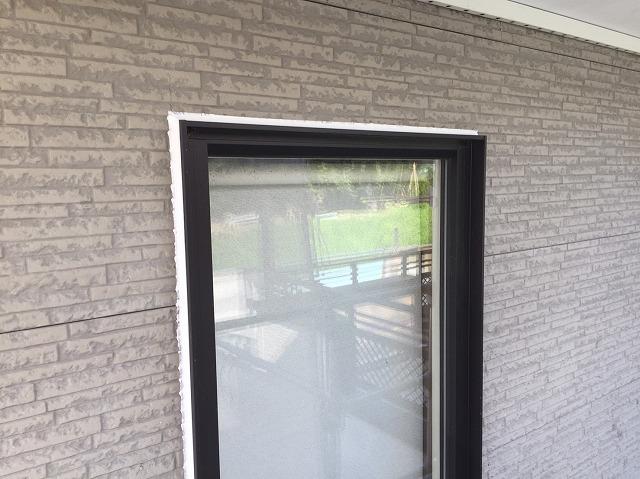 窓回り 新規コーキング完成しました