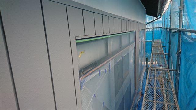 駒ヶ根市金属外壁下塗り1