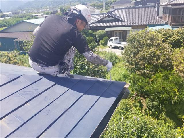 飯田市7黒田 数寄屋屋根塗装下塗りハケ入れ