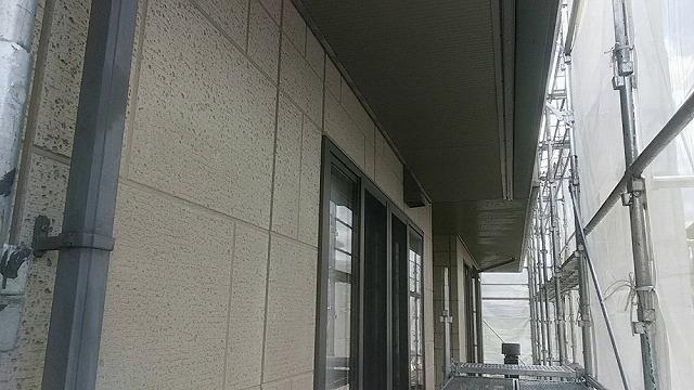 外壁の除菌高圧洗浄開始です