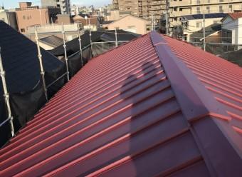 立平葺き(縦ハゼ葺き)トタン屋根